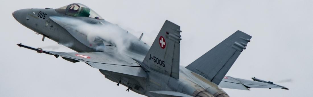 F/A-18 Hornet avec le Cap Julien «Teddy» Meister